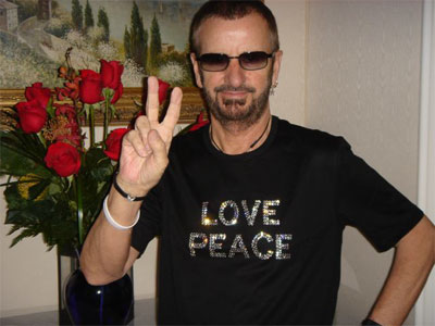 8-17-06-peace_love.jpg