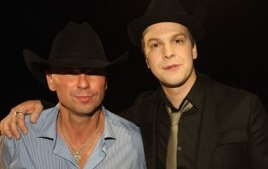 kenny-chesney-with-gavin-degraw